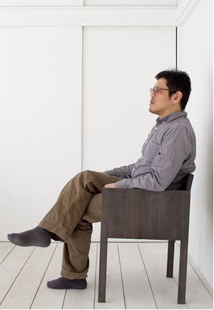 羽生野亜「肘掛椅子1」