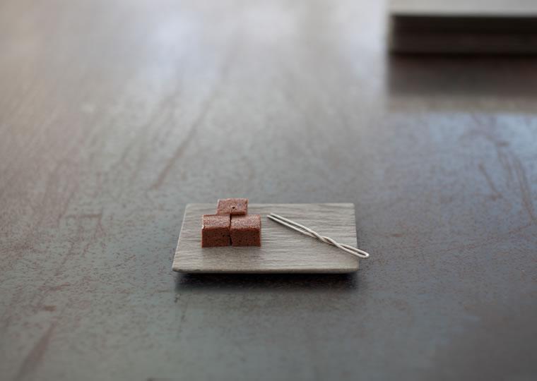 羽生野亜「小皿 (12x8)」