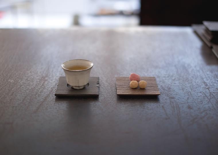 羽生野亜「小皿 (茶托)」