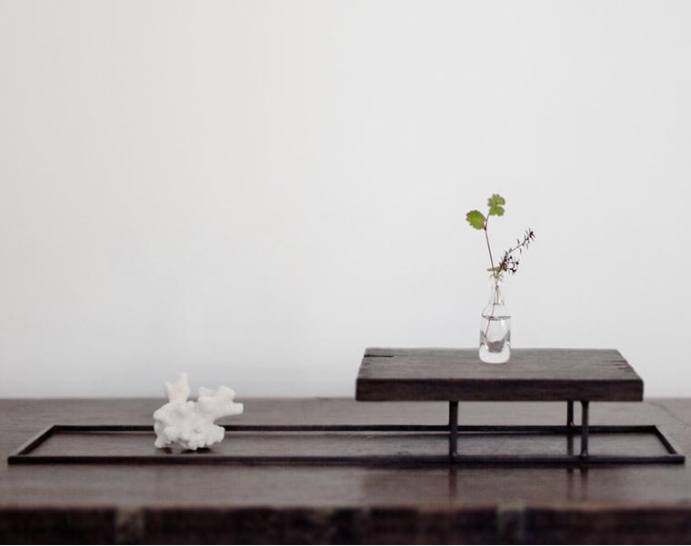 羽生野亜「飾り台」