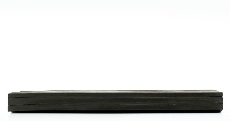 工藤茂喜「黒の長皿」