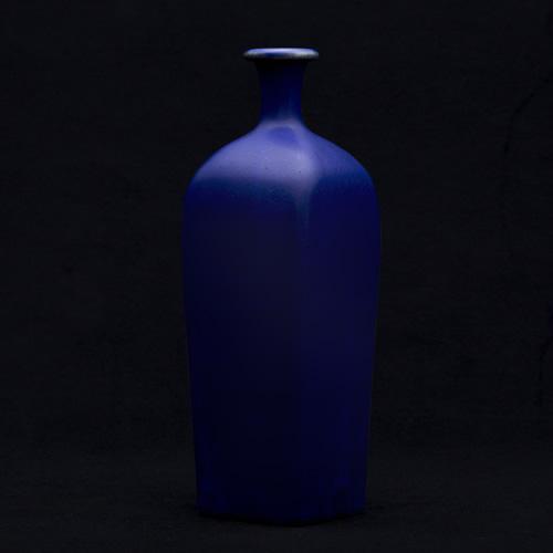 光藤佐:瑠璃角瓶
