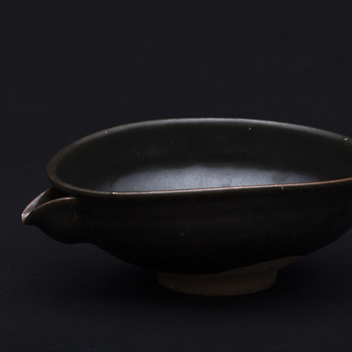 光藤佐:黒釉片口鉢