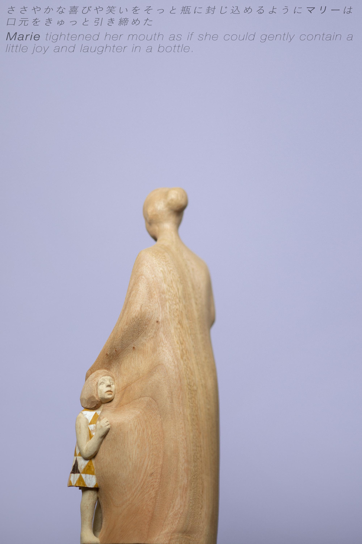 "Yuta NISHIURA ""Portrait"" #02 ささやかな喜びや笑いをそっと瓶に封じ込めるように マリーは口元をきゅっと引き締めた"
