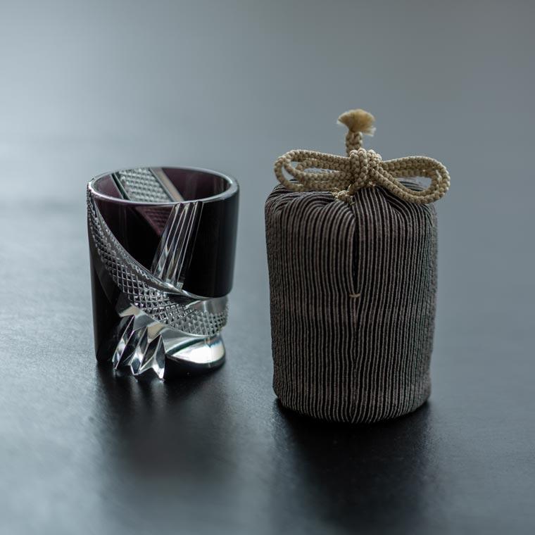 酒盃 寸胴 オビ(黒) × 江戸小紋仕覆「唐山縞」