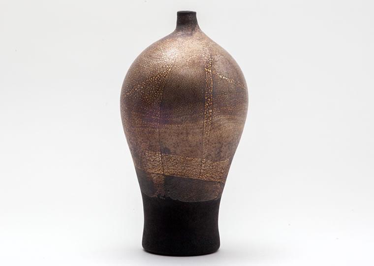津田清和「錆銀黒梅瓶」