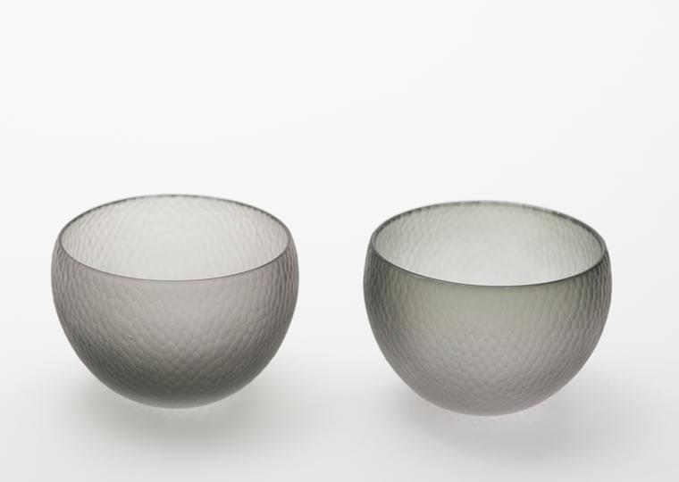 津田清和「艶消深緑鑓目丸小鉢」